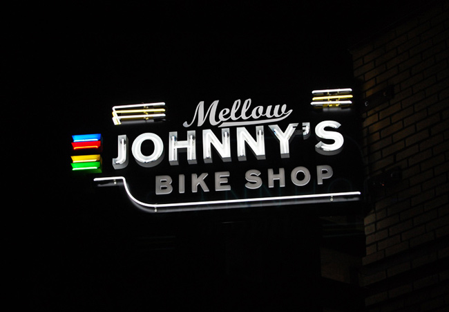 Mellow Johnny's neon!
